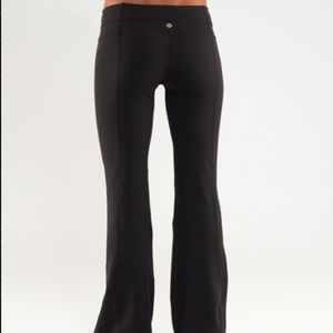 Lululemon Groove Pant (black) // Lululemon pants
